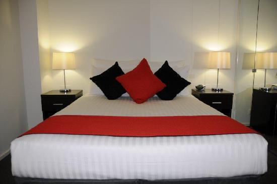 1 Bedroom Queen or Twin Apartment