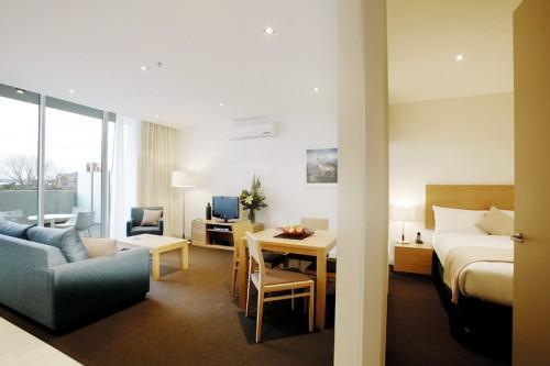 1 Bedroom Queen Apartment