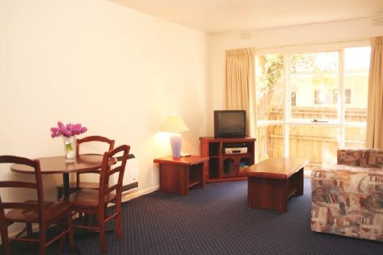1 Bedroom Exec Apartment Caroline St